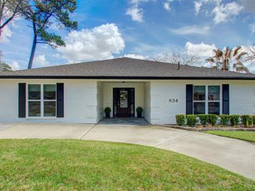 834 Wycliffe Drive, Houston, TX, 77079,