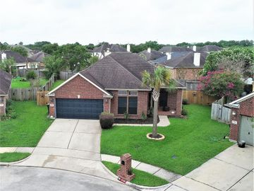 718 Chase Point Circle, Bacliff, TX, 77518,