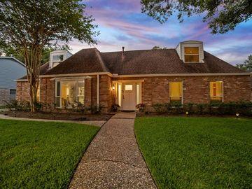 919 Longview Drive, Sugar Land, TX, 77478,