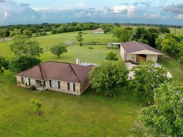 3831 County Road 211, Danbury, TX, 77534,