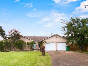 1333 Clover Drive, Angleton, TX, 77515,