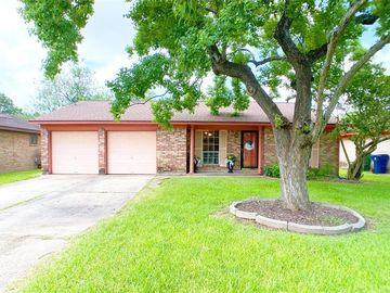 325 E Kiber Street, Angleton, TX, 77515,