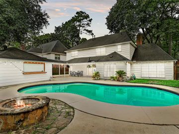 8915 Ashridge Park Drive, Spring, TX, 77379,