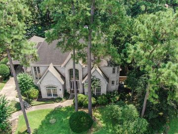 46 Rolling Links Court, The Woodlands, TX, 77380,