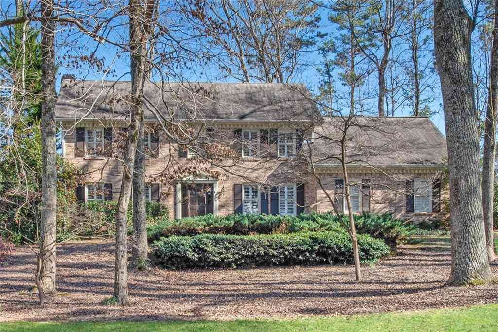 200 Hollyridge Way, Roswell, GA, 30076,
