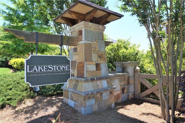 414 Lakestone Drive