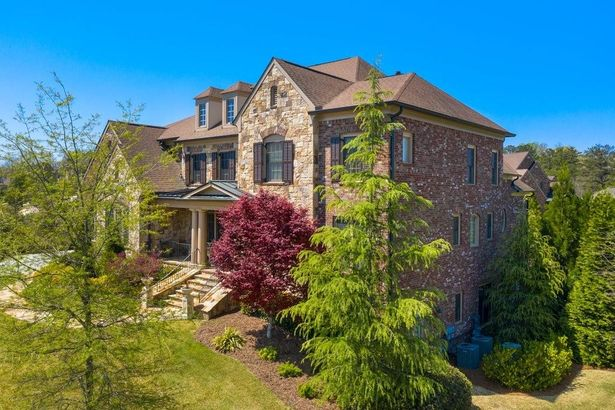 3842 Teesdale Court