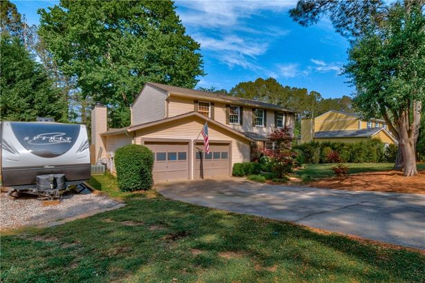125 Roswell Farms Drive