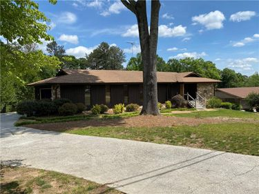 2082 Windsor Drive, Lithia Springs, GA, 30122,