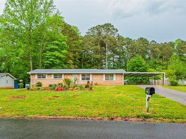 2067 Chestnut Log Drive, Lithia Springs, GA, 30122,