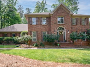 5809 Alvaton Court, Peachtree Corners, GA, 30092,