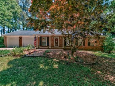 1073 Anthony Drive, Sugar Hill, GA, 30518,