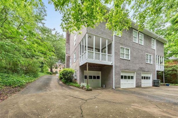 8953 Carroll Manor Drive