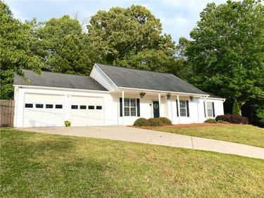 522 Bluff Court, Woodstock, GA, 30188,
