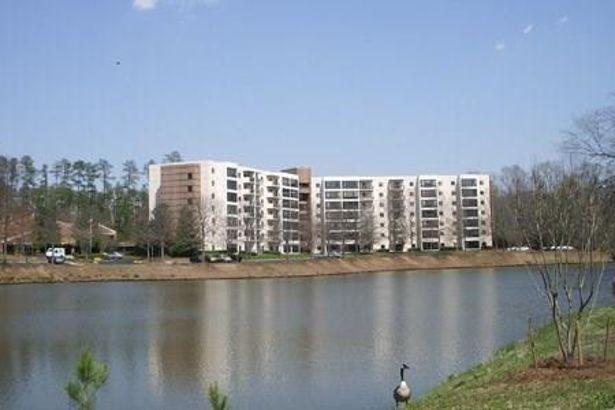 1800 Clairmont Lake #625