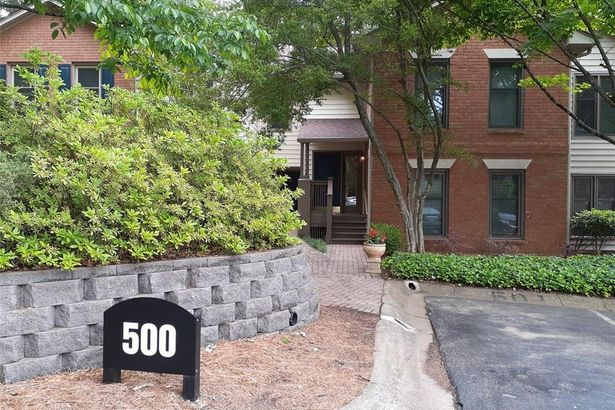 504 Garden Court #504