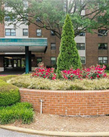 2965 Pharr Court South NW #215 Atlanta, GA, 30305