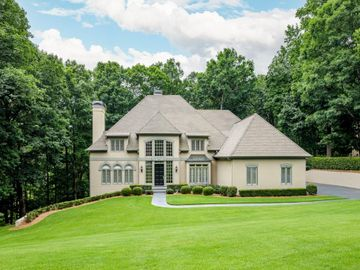 845 Jett Ferry Manor, Sandy Springs, GA, 30350,