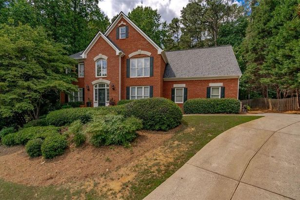 335 THORNDALE Court