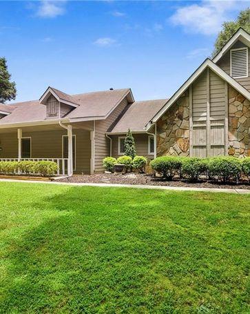 404 Sandown Drive Peachtree City, GA, 30269