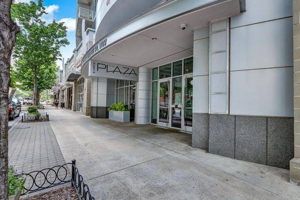 44 Peachtree Place NW #429