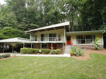 3798 Valley Bluff Drive, Atlanta, GA, 30340,