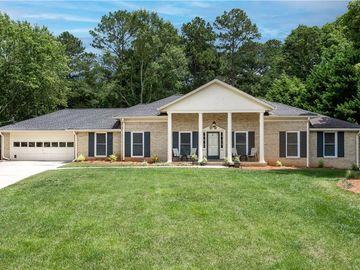 9475 River Lake Drive, Roswell, GA, 30075,