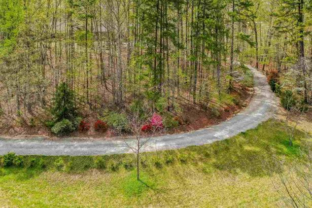 2600 Snow Hill Road