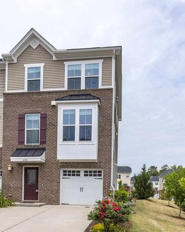 646 Berry Chase Way Cary, NC, 27519