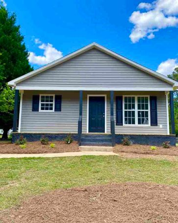 140 Oakdale Avenue Clayton, NC, 27520