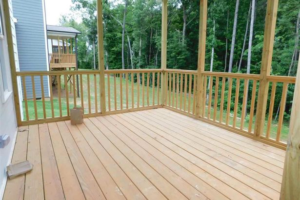 1046 Airedale Trail