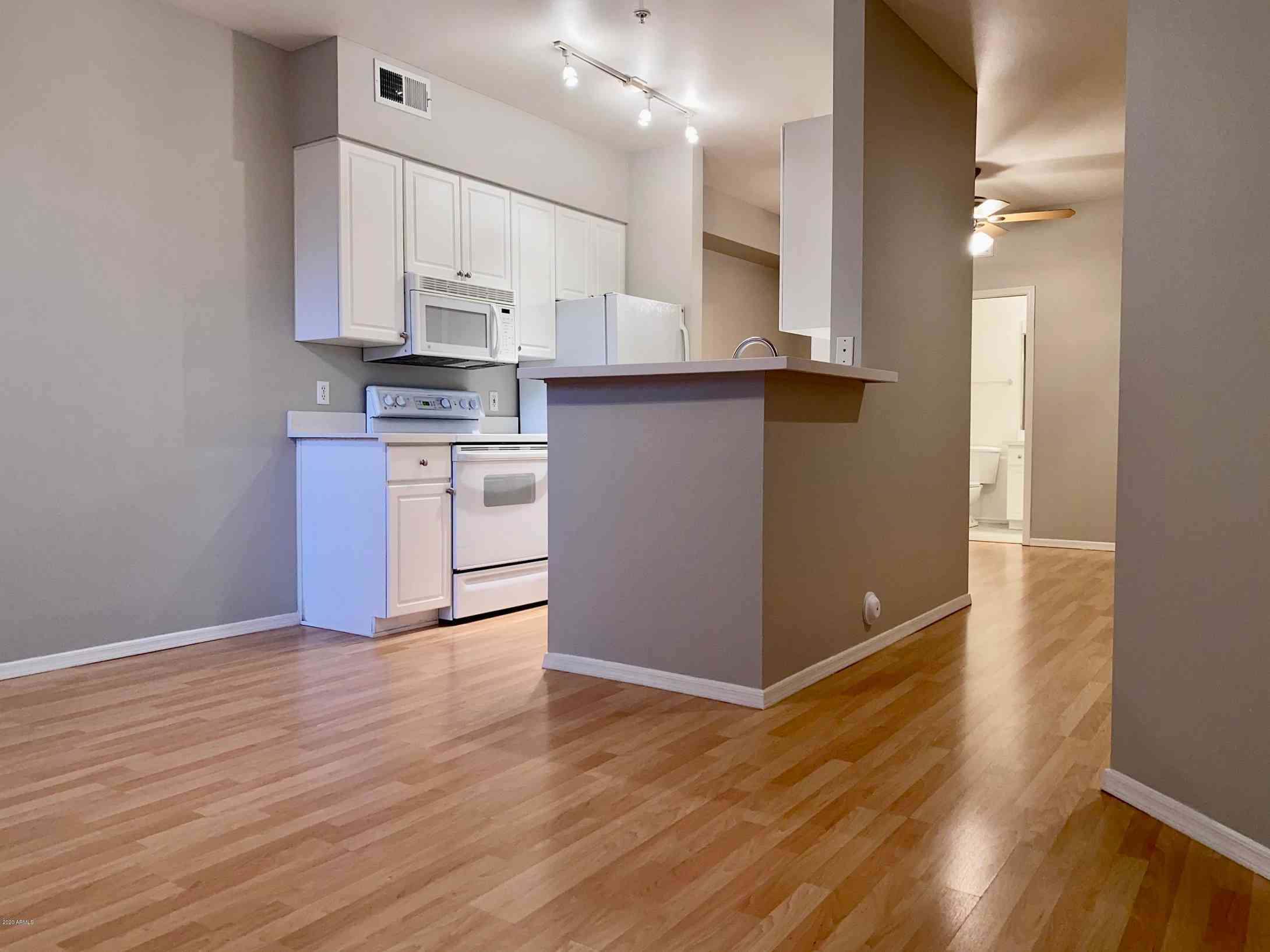 Kitchen, 1701 E COLTER Street #142, Phoenix, AZ, 85016,