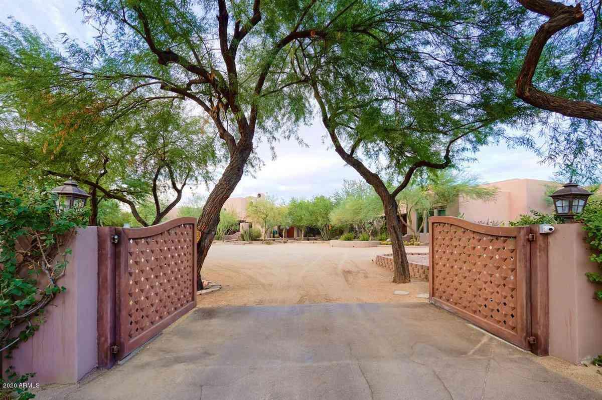 2020 E BETHANY HOME Road, Phoenix, AZ, 85016,