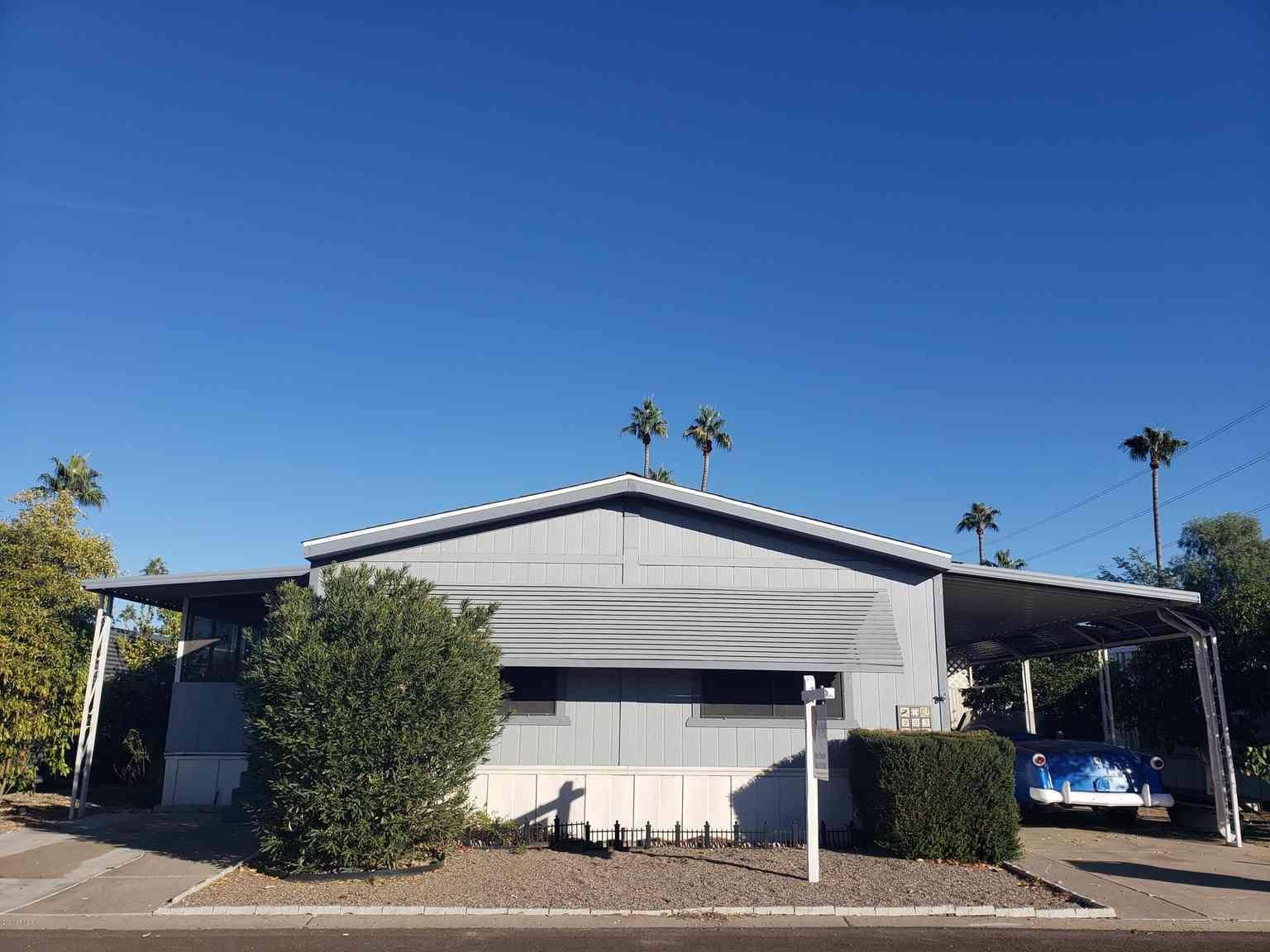 2650 W UNION HILLS Drive #203, Phoenix, AZ, 85027,