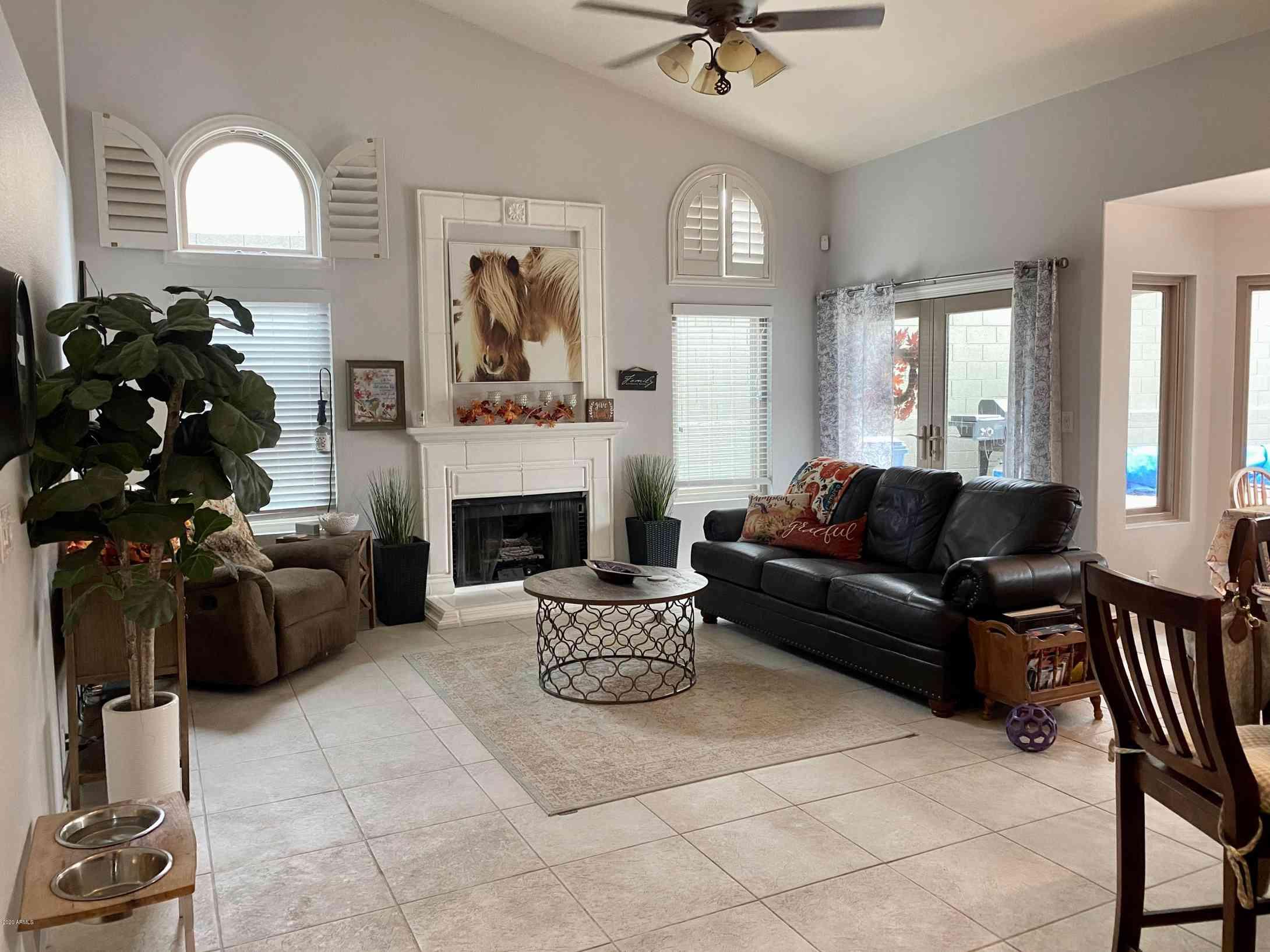 15601 S 1ST Avenue, Phoenix, AZ, 85045,