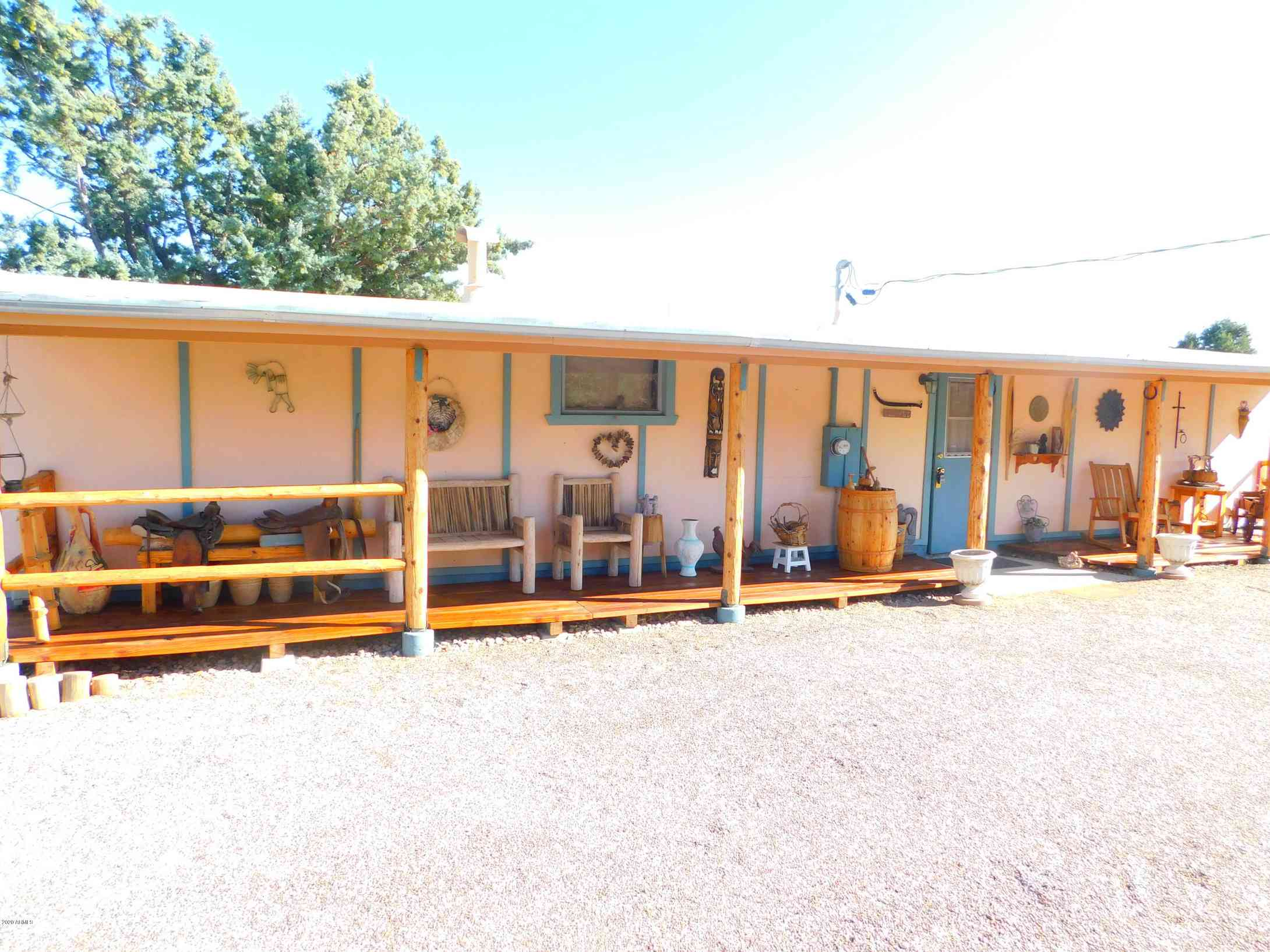 18288 S HENRY COE Road, Peeples Valley, AZ, 86332,
