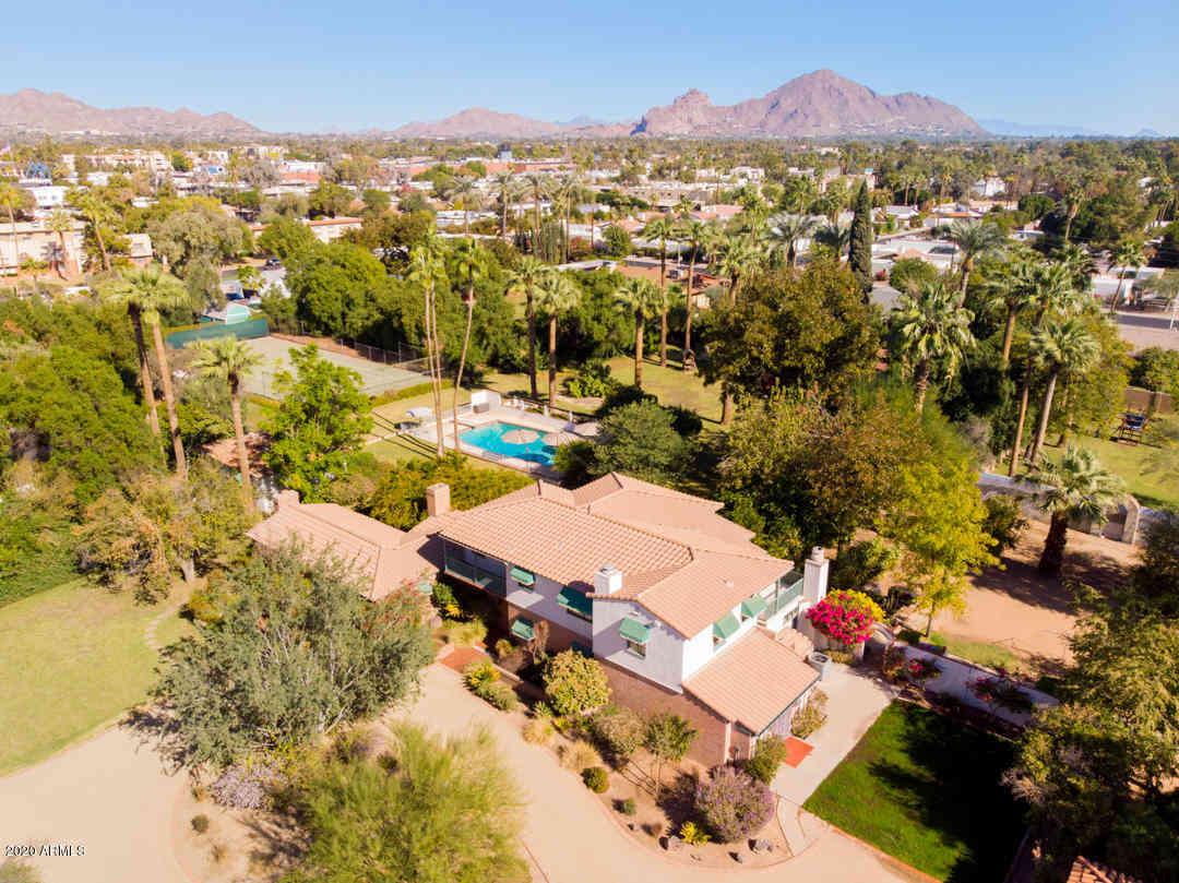 2912 E SHERRAN Lane, Phoenix, AZ, 85016,