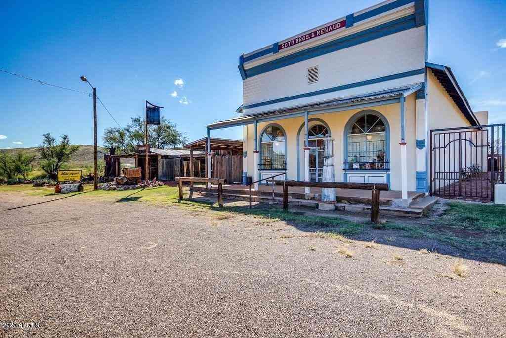 905 S GHOST TOWN Trail, Pearce, AZ, 85625,