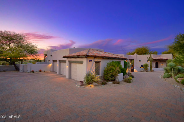 10596 E YEARLING Drive