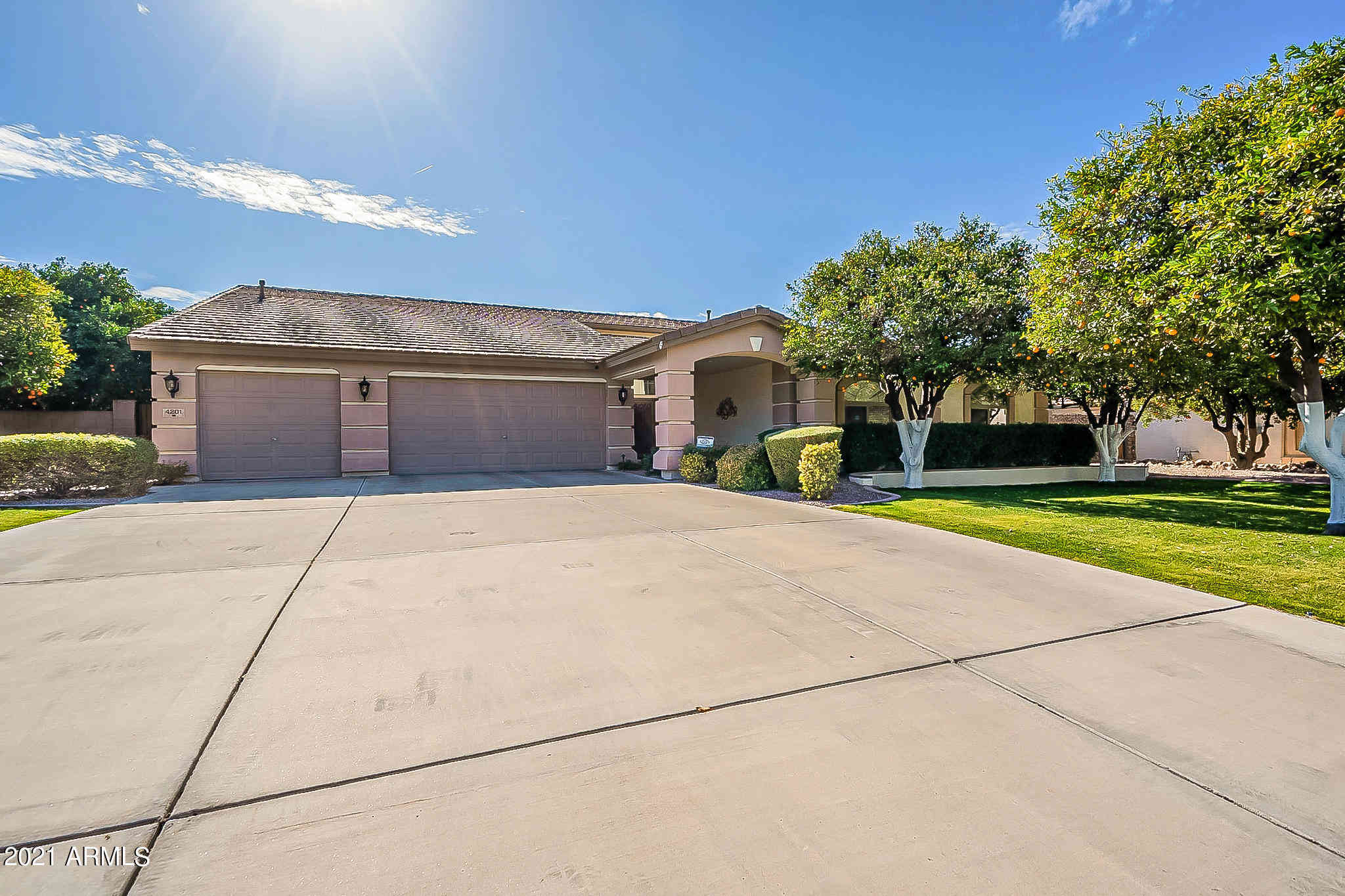 4201 E FAIRFIELD Circle, Mesa, AZ, 85205,