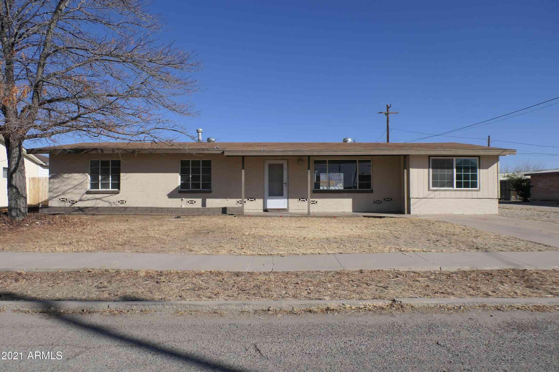 315 S CASAS LINDAS Drive, Willcox, AZ, 85643,
