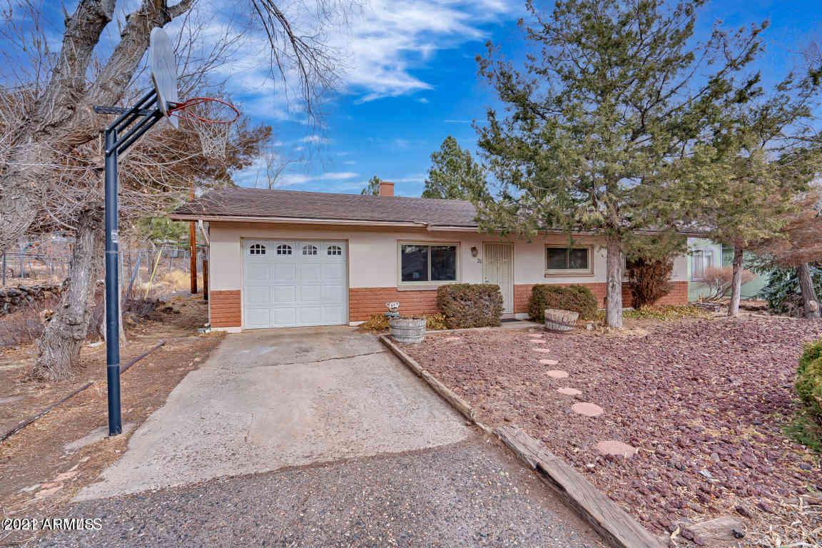 20 E OAK Avenue, Flagstaff, AZ, 86001,