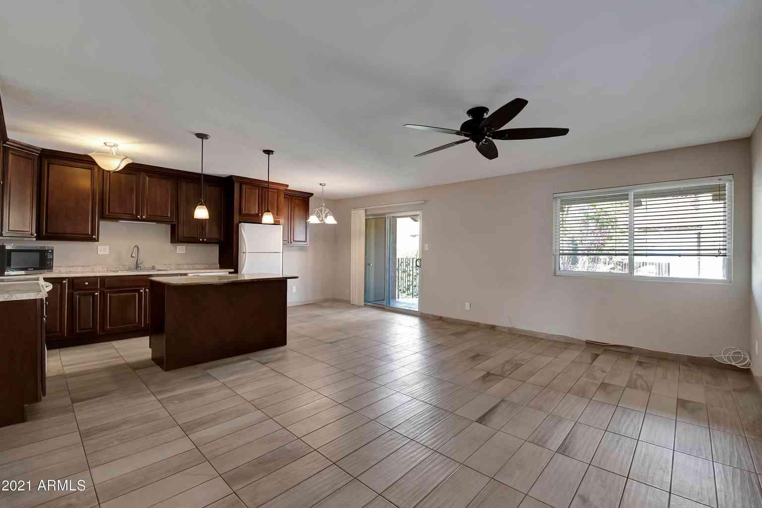 5525 E THOMAS Road #N6, Phoenix, AZ, 85018,