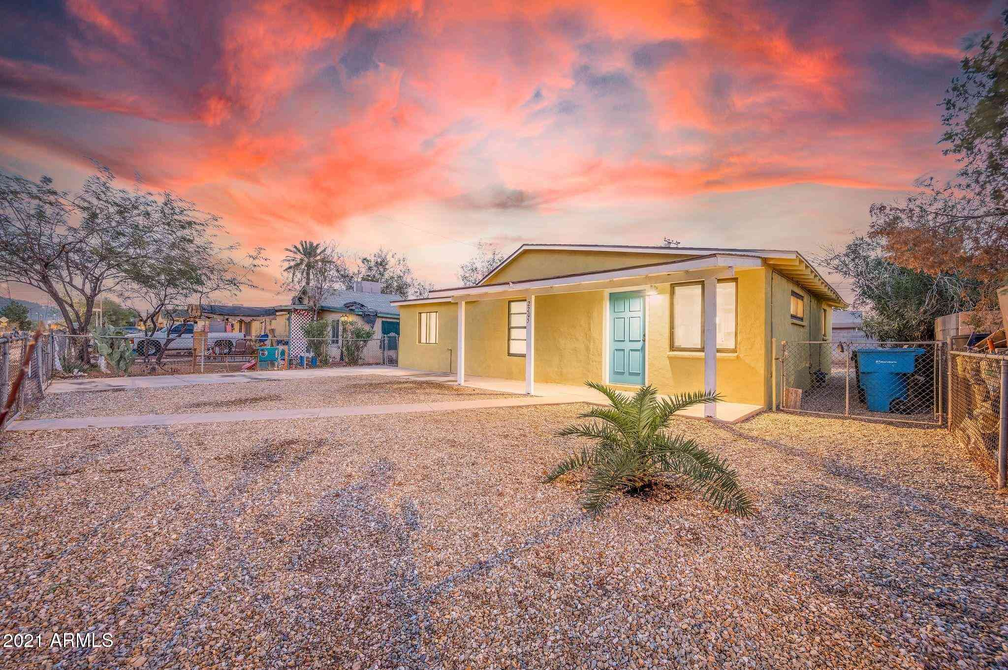 2205 W SHERMAN Street, Phoenix, AZ, 85009,