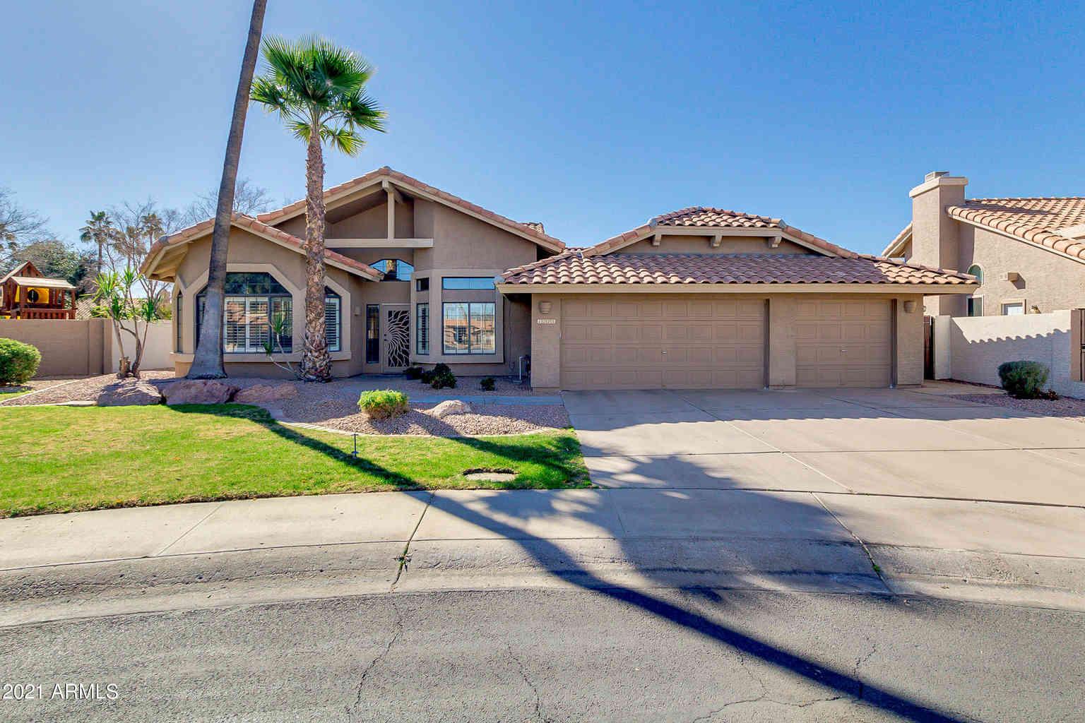 1025 W LAKERIDGE Drive, Gilbert, AZ, 85233,