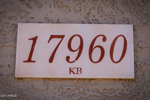 17960 N BELL POINTE Boulevard