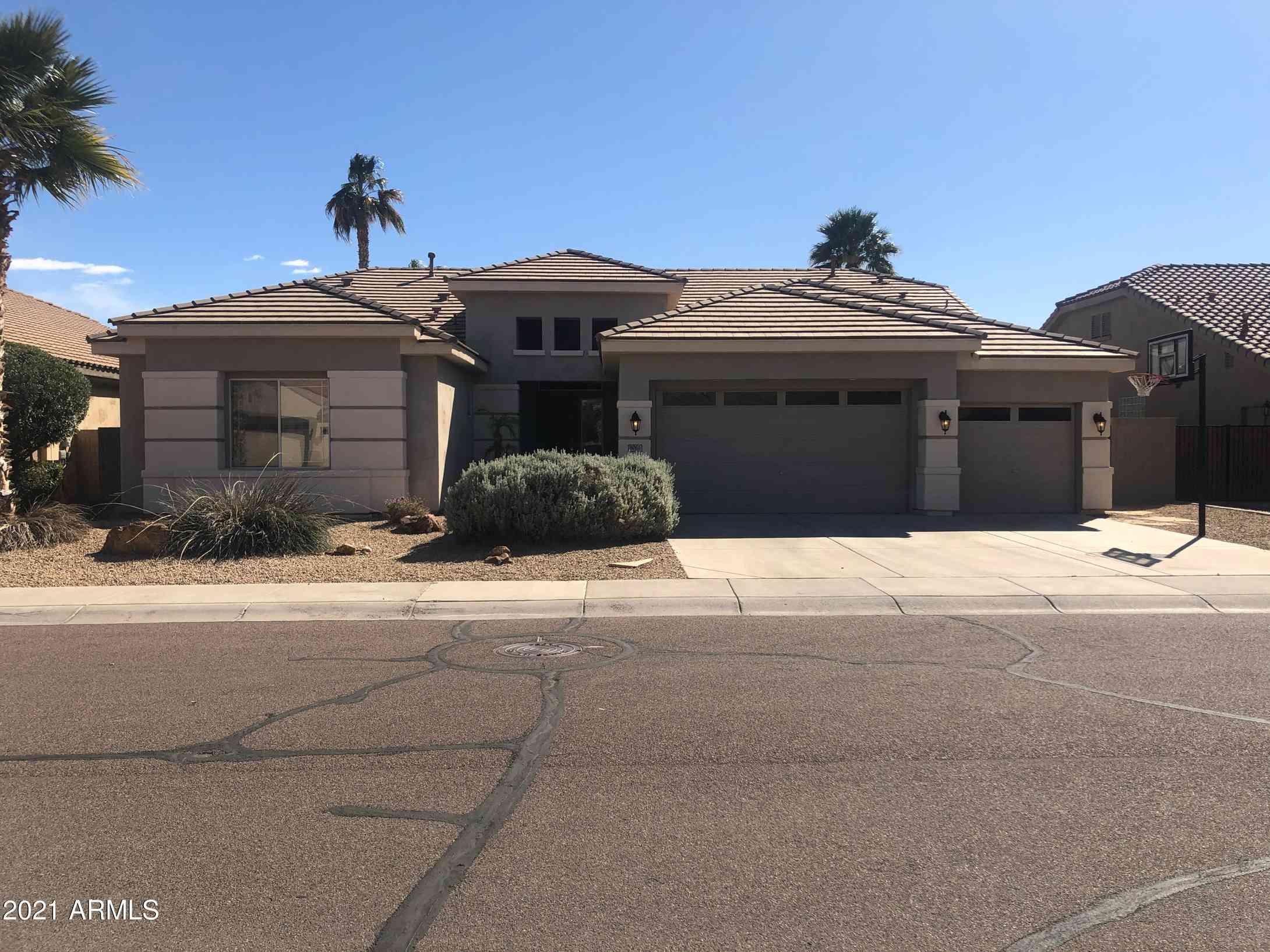 8061 W LOUISE Drive, Peoria, AZ, 85383,
