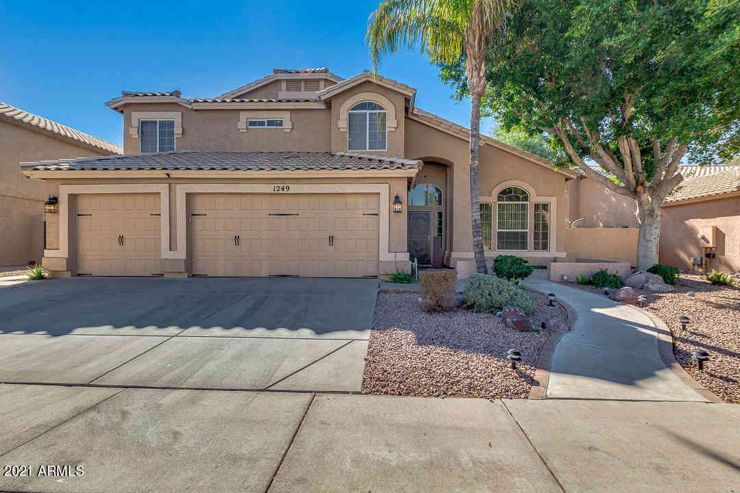 1249 W ISLANDIA Drive, Gilbert, AZ, 85233,
