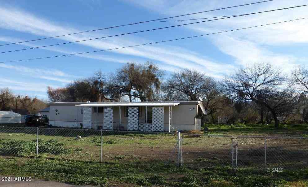 4949 N Cholla Street, Winkelman, AZ, 85192,
