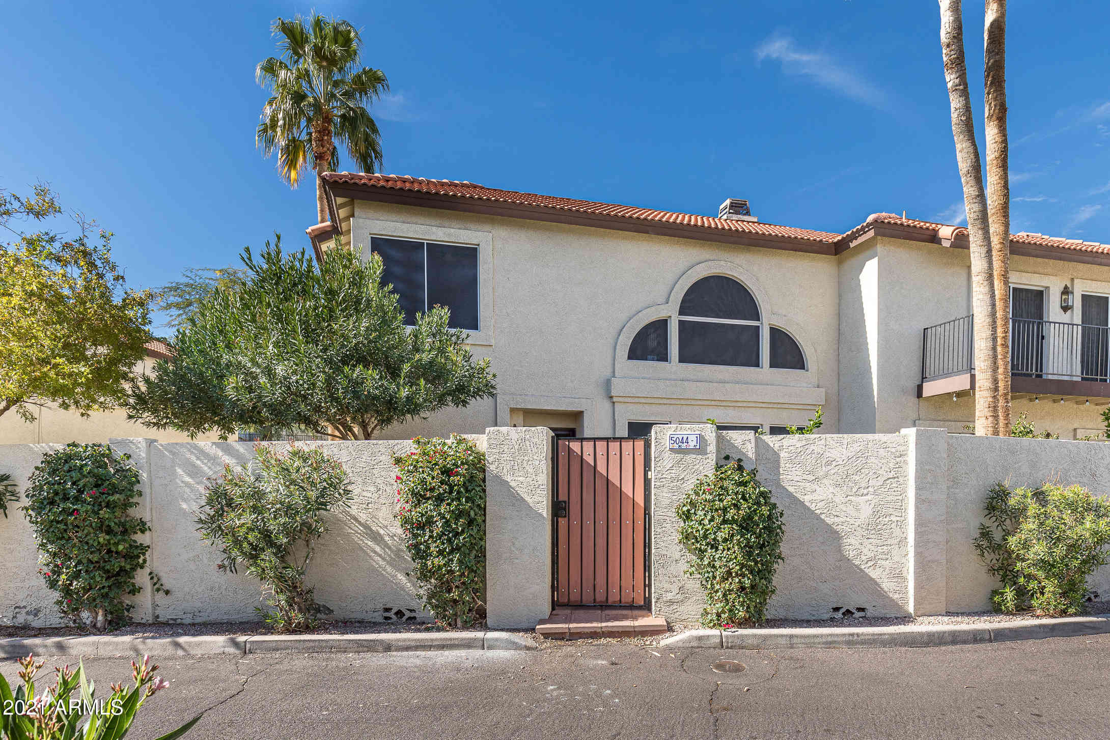 5044 E SIESTA Drive #1, Phoenix, AZ, 85044,